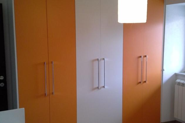 Moderna omara za v spalnico
